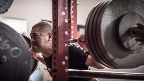 Fare squat aumenta il testosterone