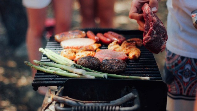 Grigliata con alimenti adatti alla dieta chetogenica