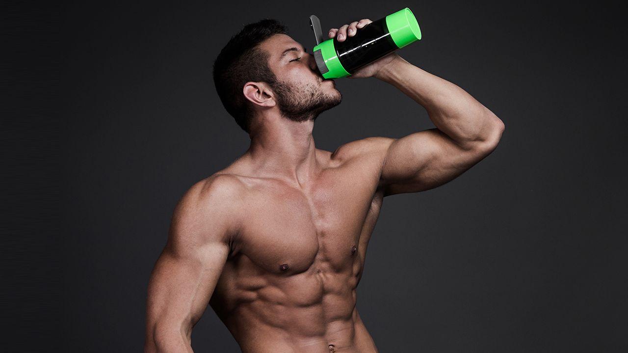 Shake di proteine dopo allenamento